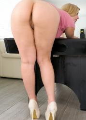 Danielle FTV Pool Game Pussy Picture 9